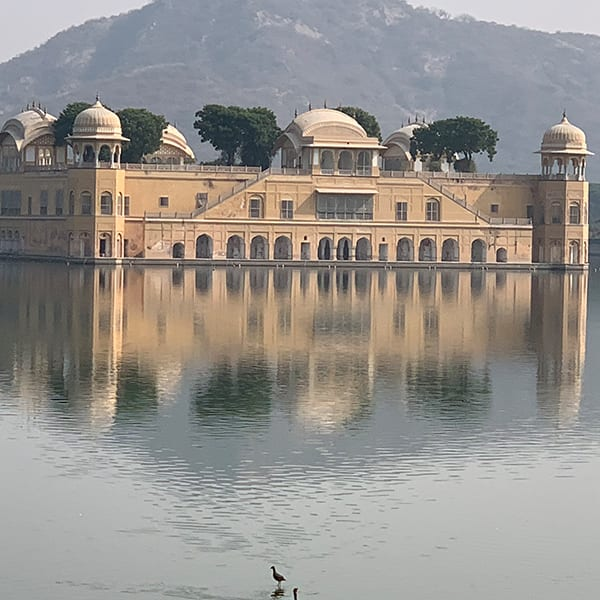 The floating palace in Jaipur: Events in Canton